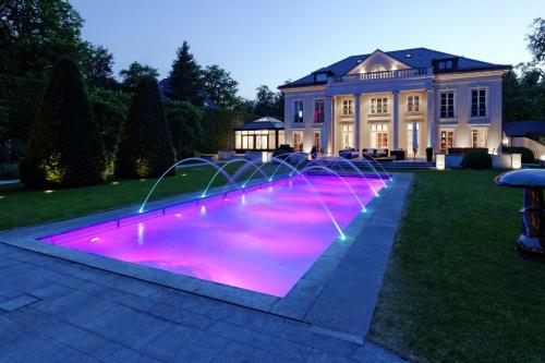 Pools by Night 2018